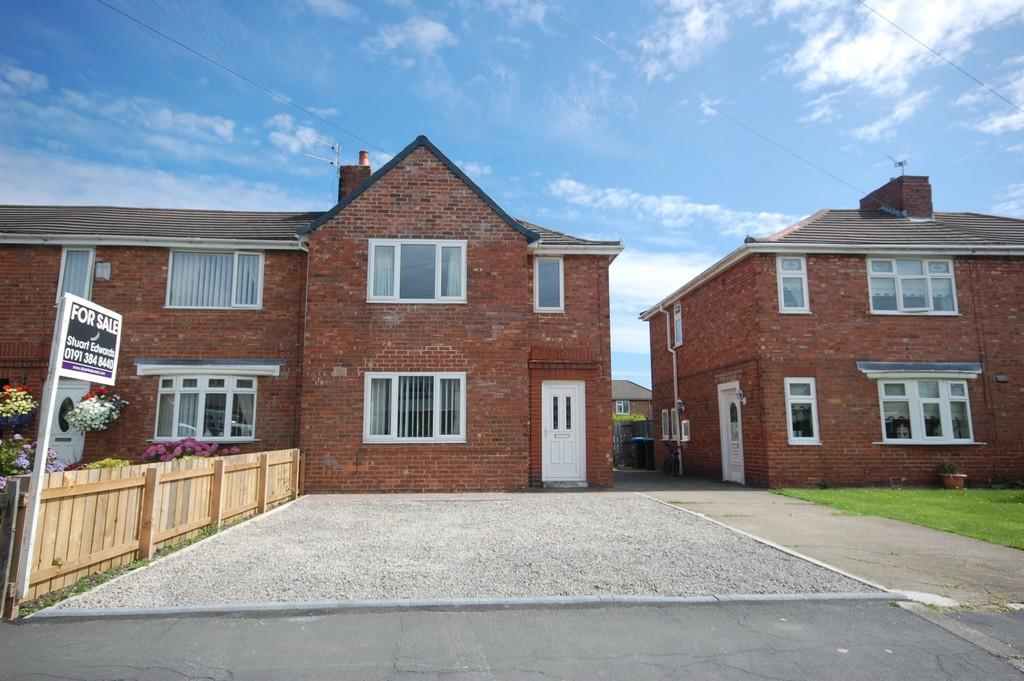 3 Bedrooms Semi Detached House for sale in Kepier Crescent, Gilesgate, Durham, County Durham