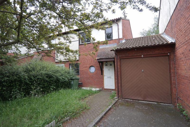 3 Bedrooms Semi Detached House for sale in Thamesbank Place, London