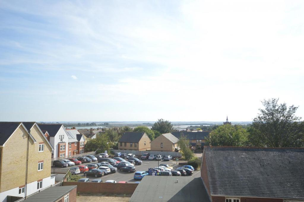3 Bedrooms Duplex Flat for sale in Quest Place, Maldon, Essex, CM9