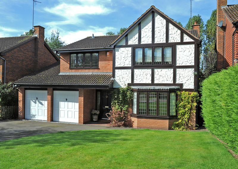 4 Bedrooms Detached House for sale in Stockbridge Close, Wightwick, Wolverhampton