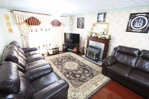 3 bedroom end of terrace house to rent - FALCON WAY, SINFIN