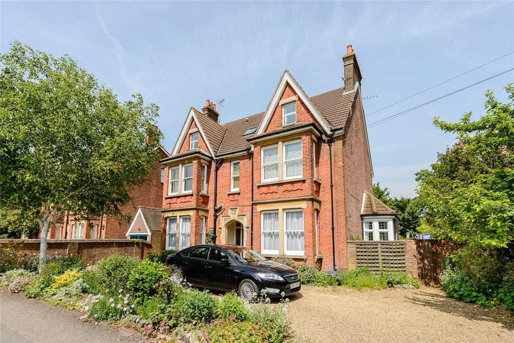 3 Bedrooms Flat for sale in Rosebery Avenue, Harpenden, Hertfordshire, AL5