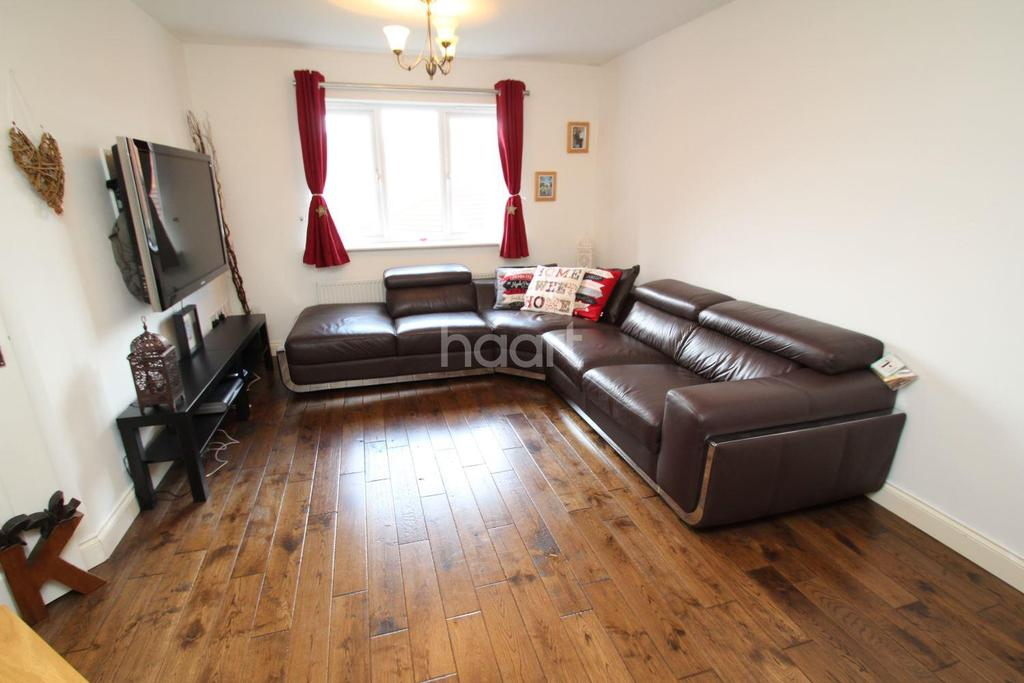 2 Bedrooms Maisonette Flat for sale in Griffiths Way, Hucknall