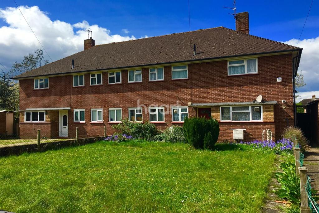 2 Bedrooms Maisonette Flat for sale in Heather Close