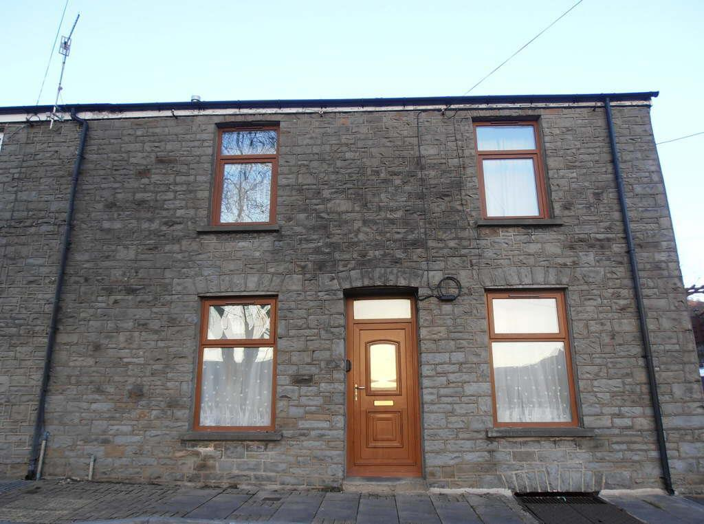 2 Bedrooms End Of Terrace House for sale in Richards Terrace, Cwmbach