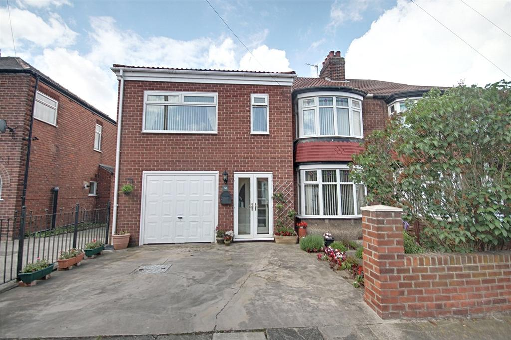 3 Bedrooms Semi Detached House for sale in Preston Road, Fairfield