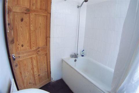 2 bedroom house to rent - Hyde Park, Leeds