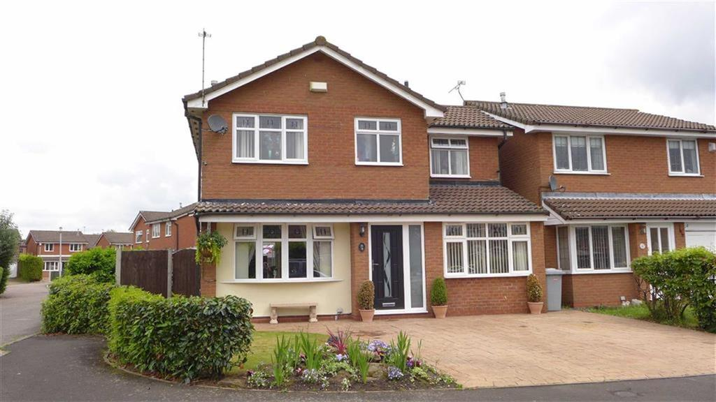 4 Bedrooms Detached House for sale in Farmleigh Drive, Crewe