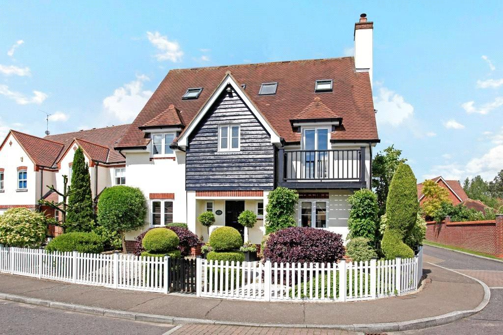 6 Bedrooms Detached House for sale in Fallow Fields, Loughton, Essex, IG10