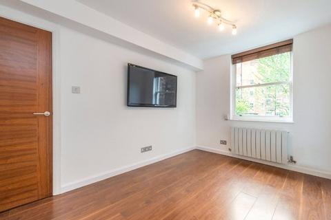 3 bedroom flat to rent - Carburton Street, Fitzrovia, London, W1W
