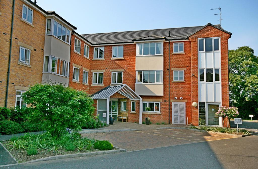 2 Bedrooms Flat for sale in Browning Court, Bourne, PE10