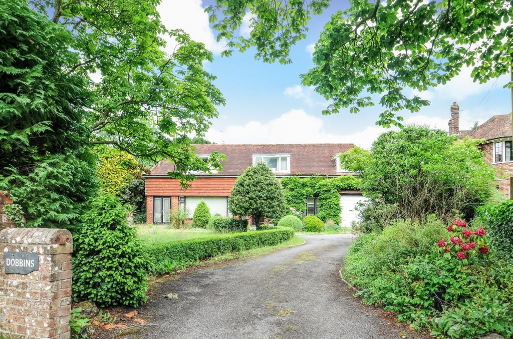 2 Bedrooms Detached House for sale in Borough Road, Petersfield, GU32