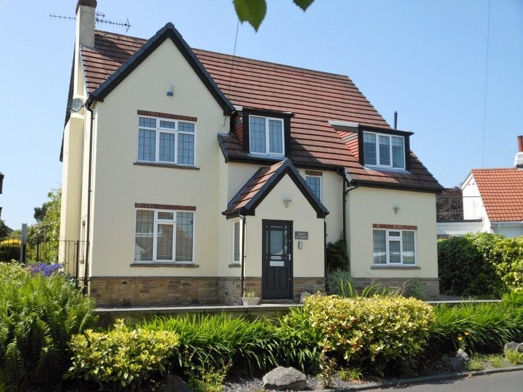 5 Bedrooms Detached House for sale in North Drive, Bramhope