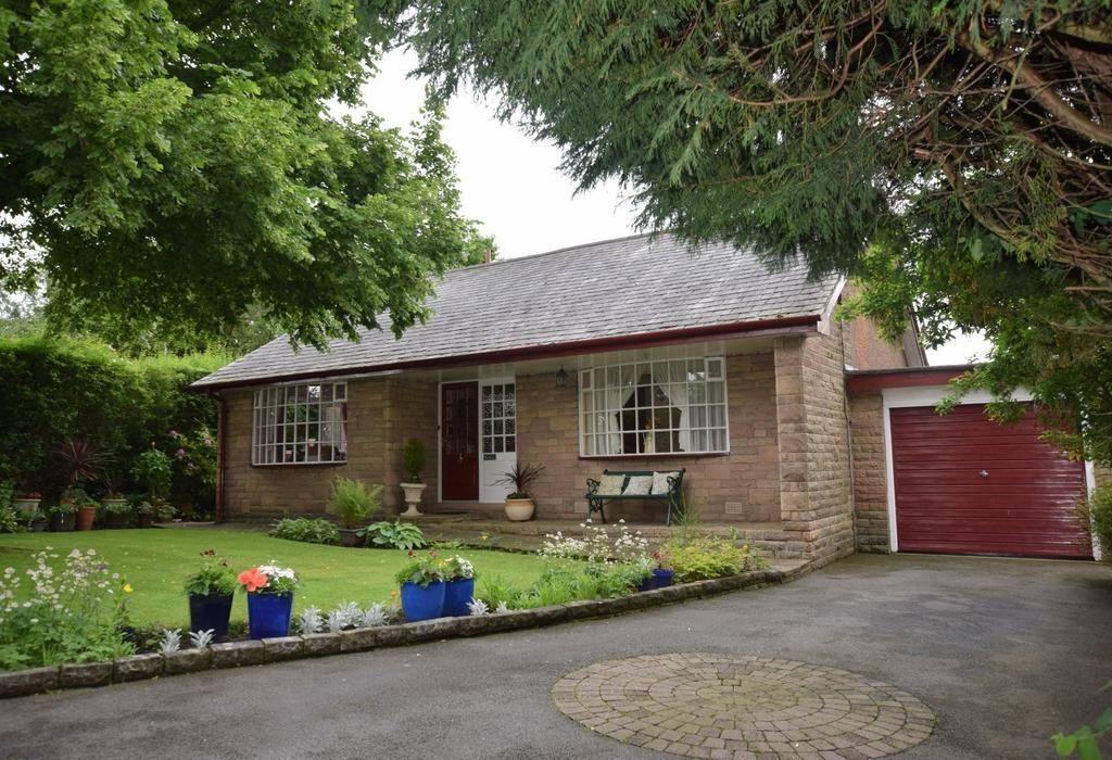 3 Bedrooms Detached Bungalow for sale in Off Hayfield Road, New Mills, High Peak