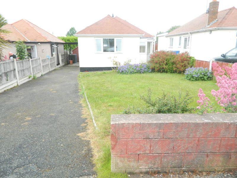 2 Bedrooms Detached Bungalow for sale in St. Marys Drive, Rhyl