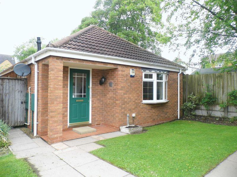 2 Bedrooms Detached Bungalow for sale in Wood Common Grange, Pelsall, Walsall