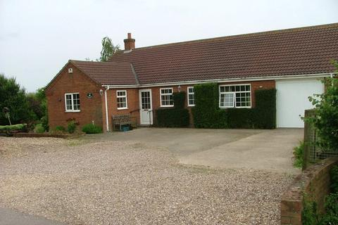 3 bedroom detached bungalow to rent - Thackers Road, Frithville, Boston