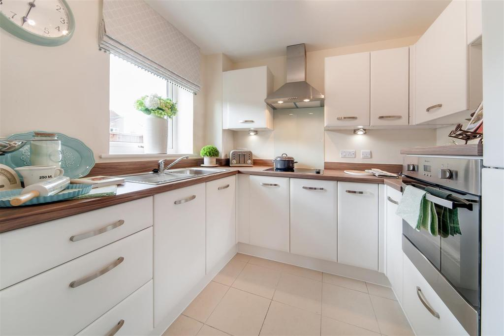 1 Bedroom Apartment Flat for sale in Rykeneld Court. Knutton Road, Wolstanton, Newcastle