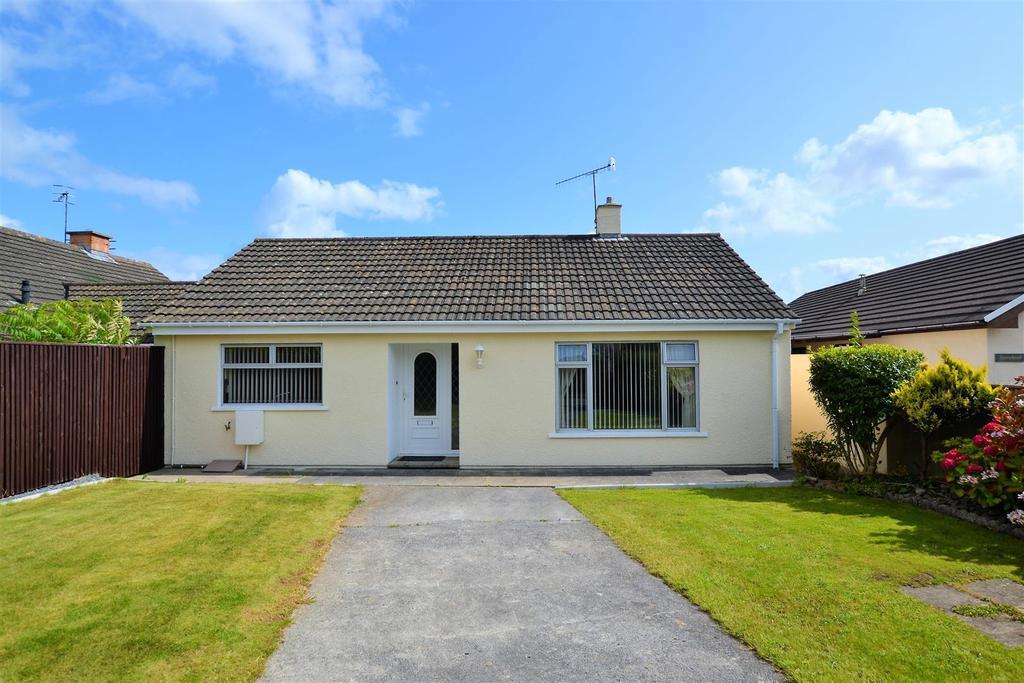 2 Bedrooms Semi Detached Bungalow for sale in Saundersfoot