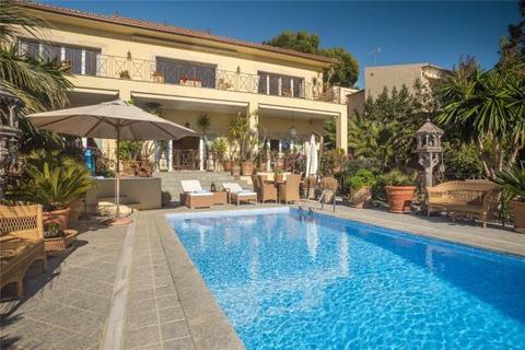 4 bedroom villa  - Villa With Splendid Sea Views, Bendinat, Mallorca