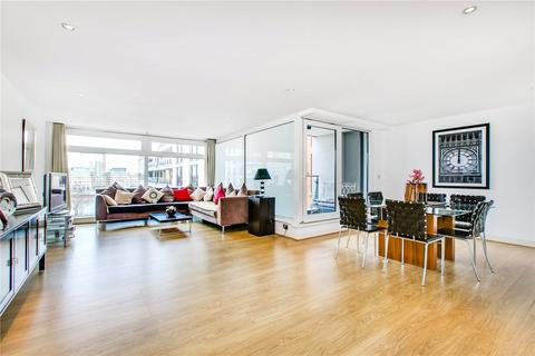 3 bedroom flat to rent - Courtyard House, Lensbury Avenue, London