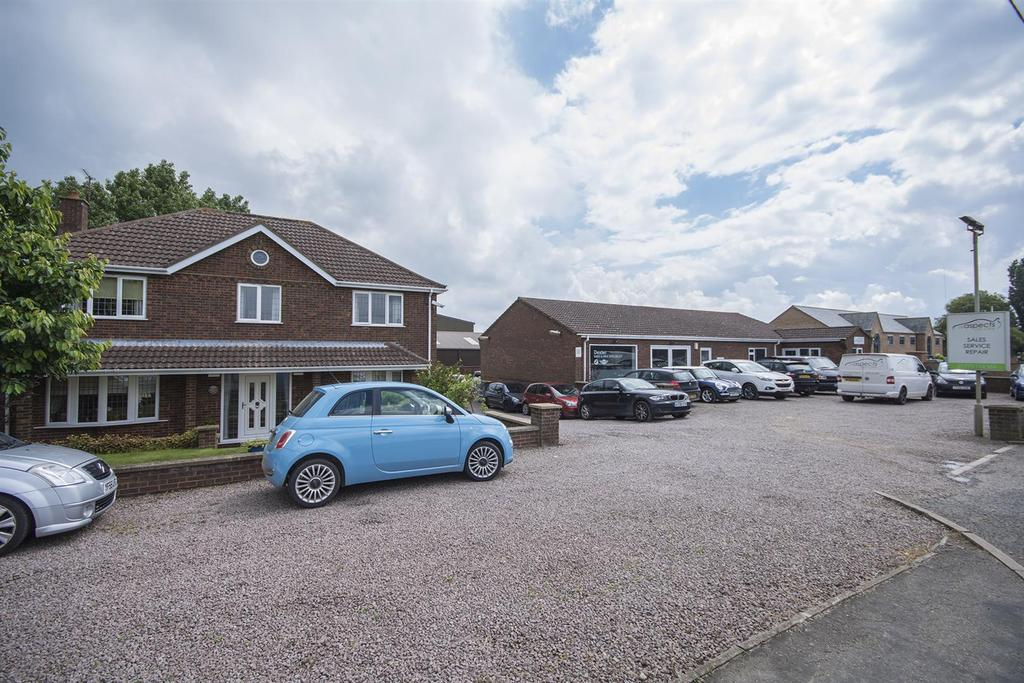 3 Bedrooms Detached House for sale in Dozens Bank, West Pinchbeck