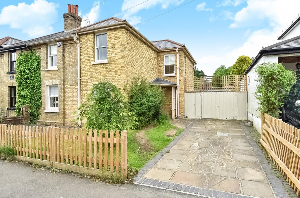 3 Bedrooms Semi Detached House for sale in High Street Downe BR6