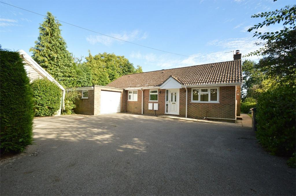 2 Bedrooms Detached Bungalow for sale in Tilmore Road, PETERSFIELD, Hampshire