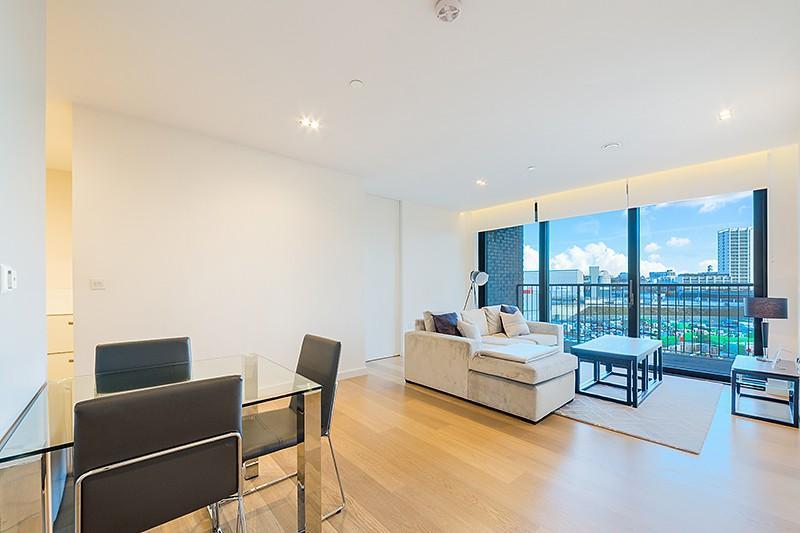2 Bedrooms Flat for rent in Plimsoll Building, Handyside Street, King's Cross, London, N1C