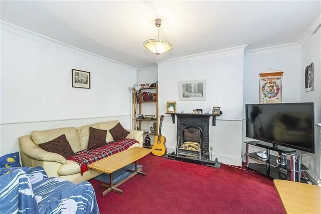 1 Bedroom Flat for sale in Vicarage Road, Leyton