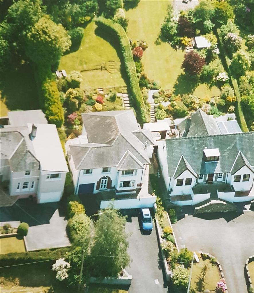 5 Bedrooms Detached House for sale in Llangunnor Road, Carmarthen