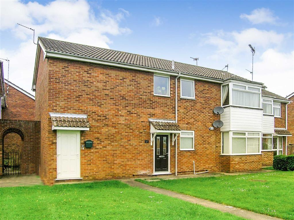 2 Bedrooms Flat for sale in Woodhall Way, Beverley, East Yorkshire