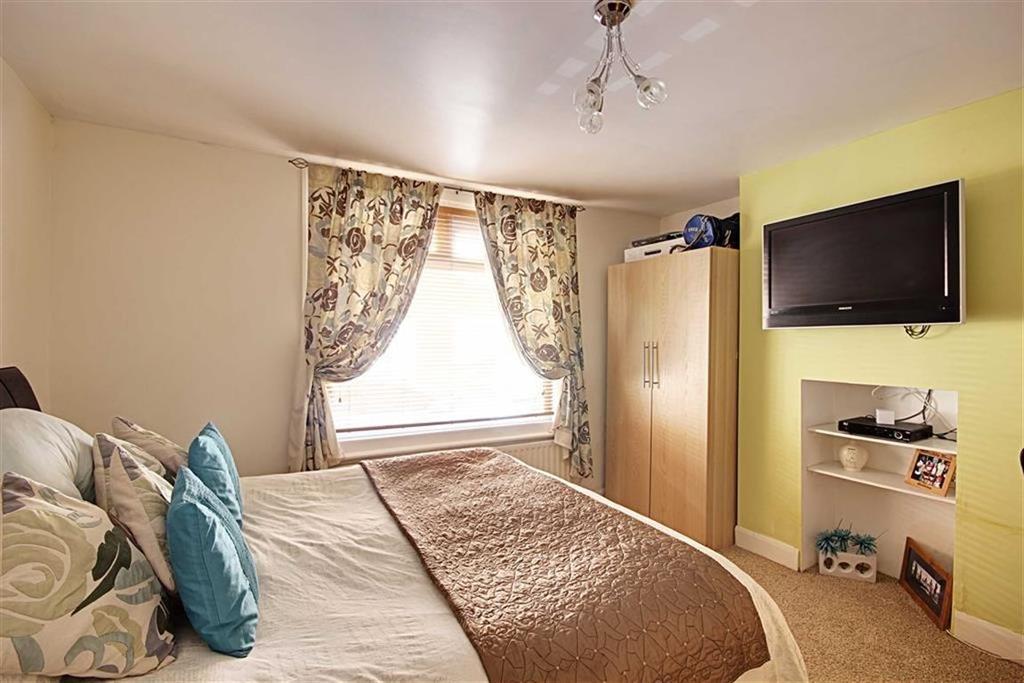 2 Bedrooms Flat for sale in Howe Street, Hebburn, Tyne Wear