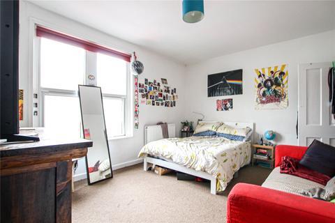2 bedroom terraced house to rent - Cleave Street, St. Werburghs, Bristol, BS2