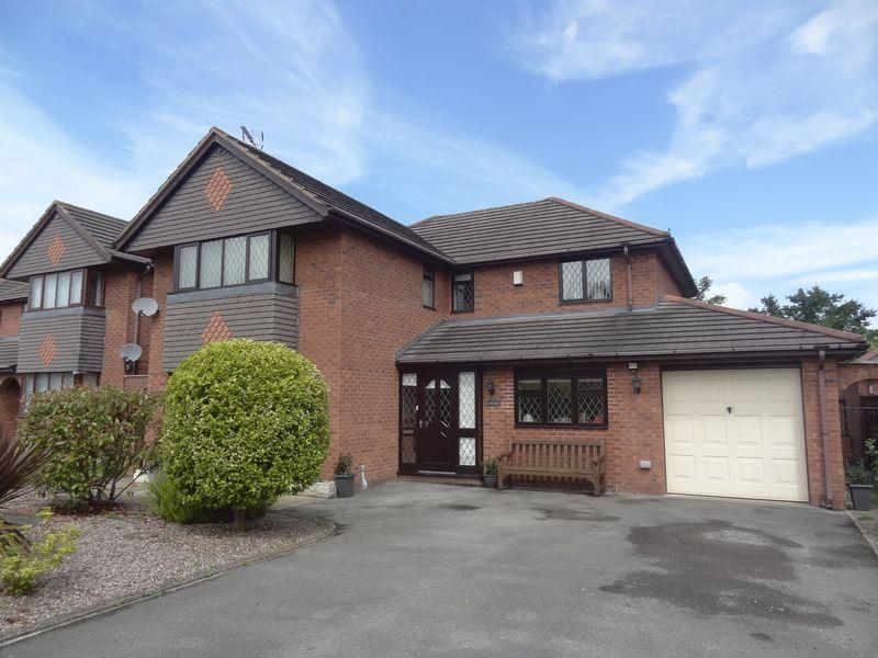 4 Bedrooms Detached House for sale in Hermitage Park, Wrexham