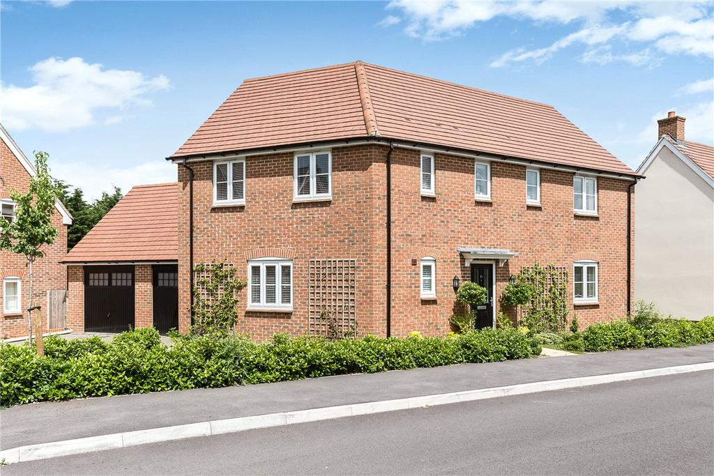4 Bedrooms Detached House for sale in Harrow Drive, Headley, Thatcham, Hampshire, RG19