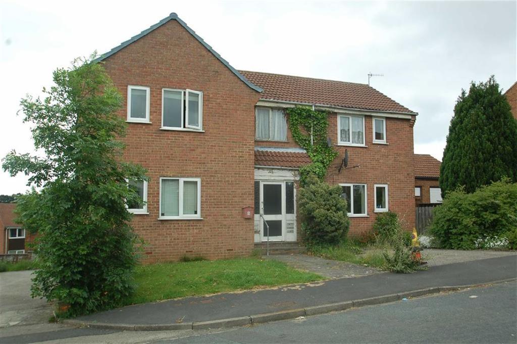 Hildenley Close, Scarborough, North Yorkshire, YO12 1 bed flat