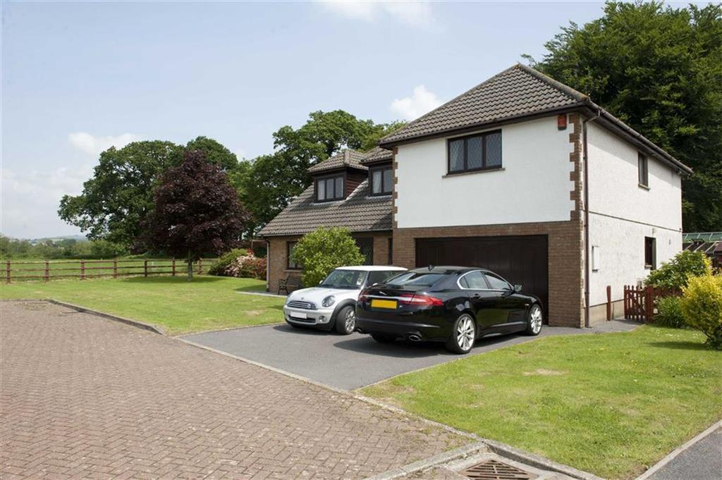5 Bedrooms Detached House for sale in Golwg Y Twr, Llanarthney, Llandeilo