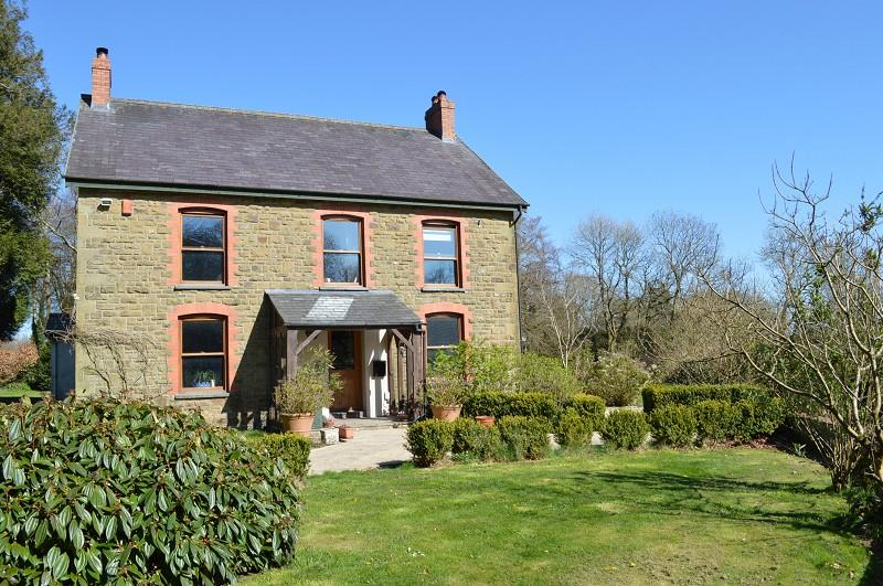 4 Bedrooms Detached House for sale in Ty Llwyd Home Farm , Tanygroes, Cardigan, Ceredigion. SA43 2JD