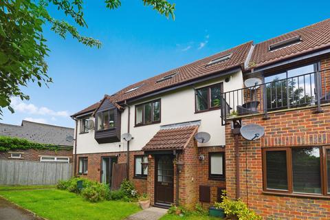 2 bedroom ground floor flat to rent - Milton Gardens, Princes Risborough