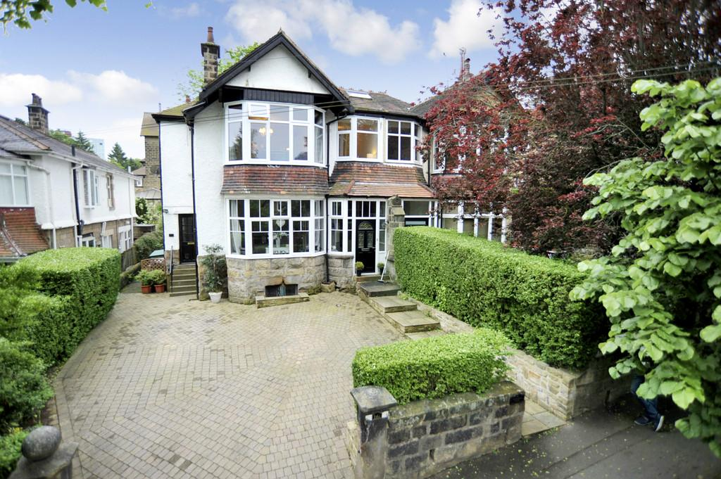3 Bedrooms Apartment Flat for sale in Coppice Drive, Harrogate