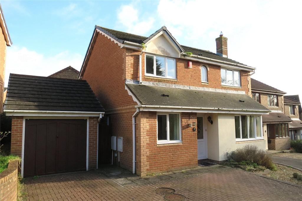 4 Bedrooms Detached House for rent in Kingfisher Close, Bradley Stoke, Bristol, BS32