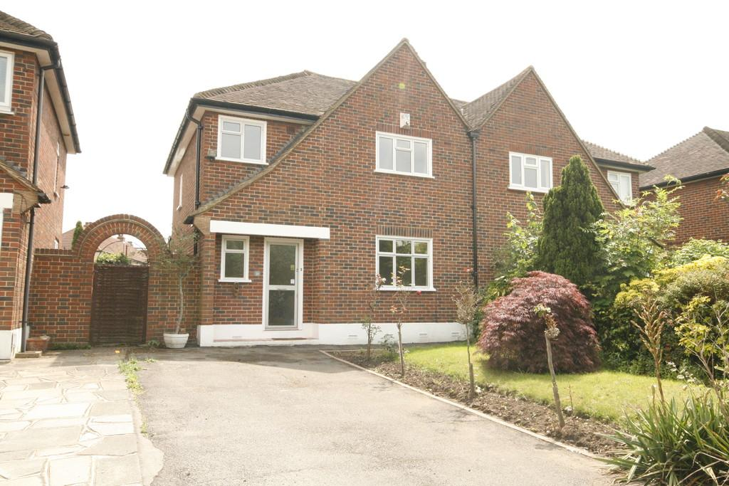 3 Bedrooms Semi Detached House for sale in Manor Park Road, West Wickham