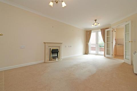 1 bedroom apartment for sale - Cwrt Brynteg, Station Road