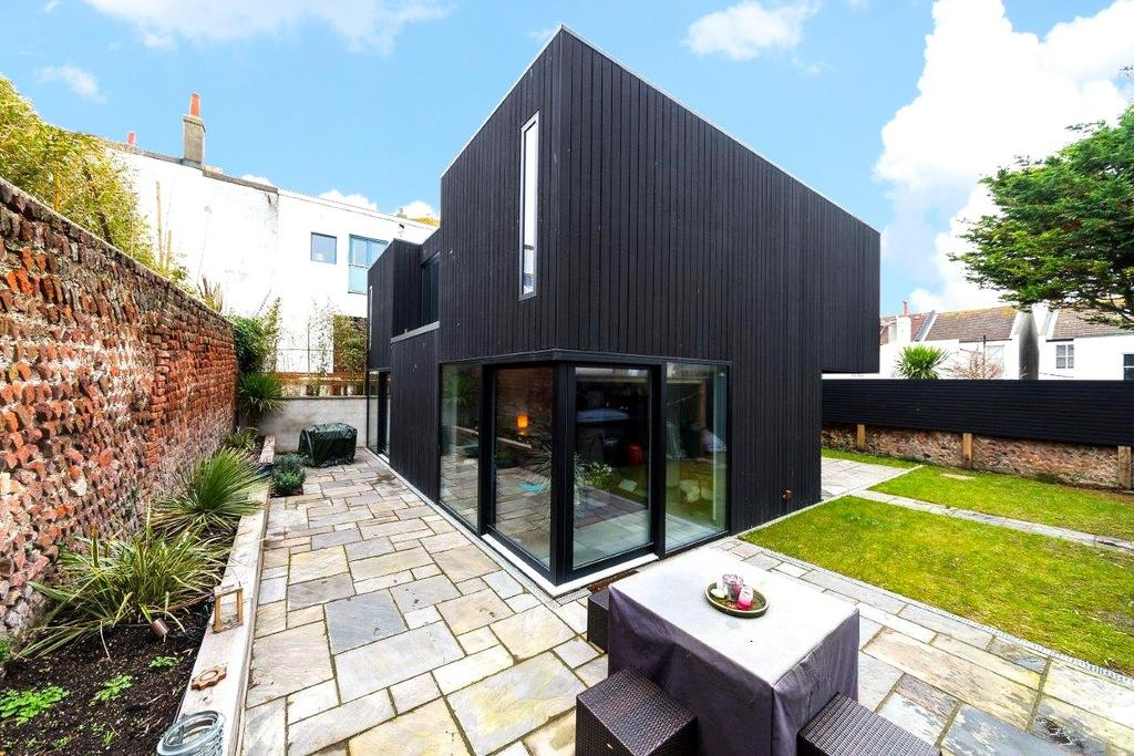 4 Bedrooms House for rent in Eastern Place, Brighton, BN2
