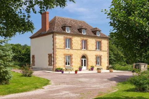 4 bedroom detached house  - Manor House, Beuvron-En-Auge, Normandy