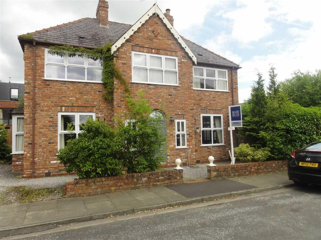 4 Bedrooms Detached House for sale in Ash Grove, Heald Green