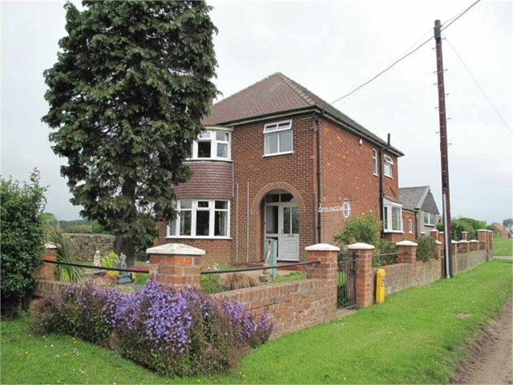 3 Bedrooms Detached House for sale in Springdale, North Lane, Welwick WITH LAND