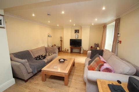 2 bedroom apartment to rent - VALLEY DRIVE, HARROGATE, HG2 0JS