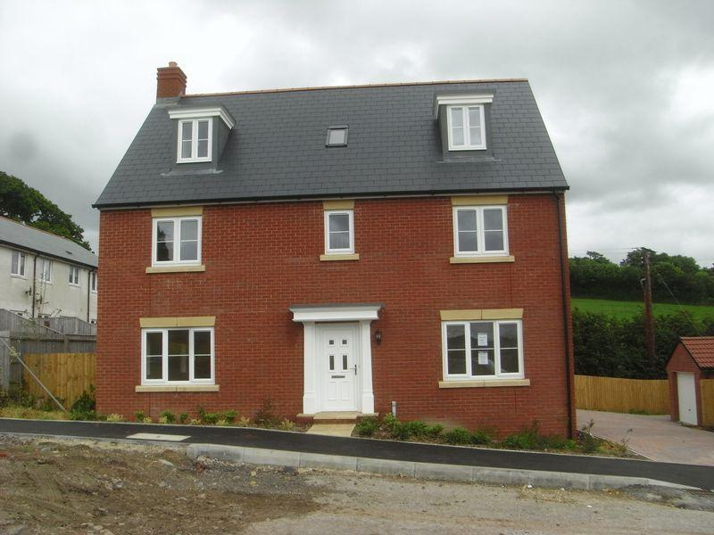 5 Bedrooms Detached House for sale in Axminster